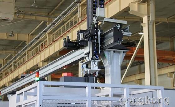 上海众拓 多台机床并联上下料机械手