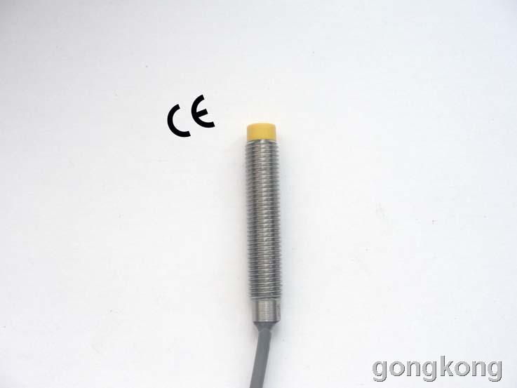 Shrick M12系列圆柱型电感式接近开关(模拟输出型)