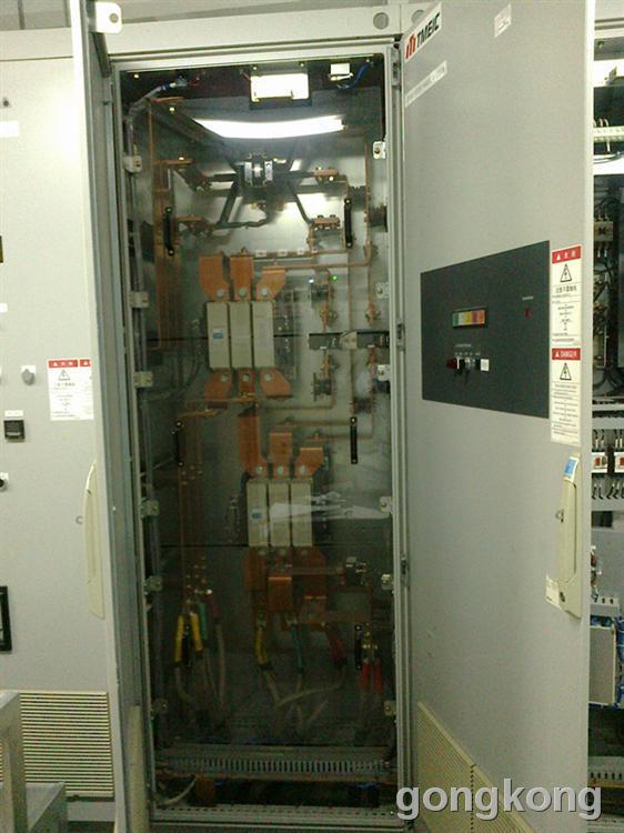 280kw三菱东芝变频器控制柜点检图片