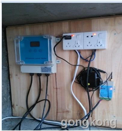 并把运行组态王的电脑连接到网络,水塔端把液位传感器的信号接到宏电